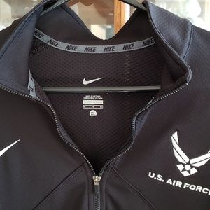 Nike Air Force dry-fit pull-over